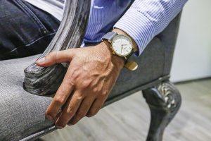 foto-timex-reloj-en-brazo-en-baja